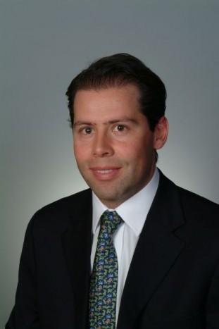Manuel Moctezuma ('04)
