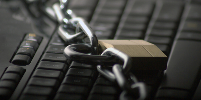 Photo of chain and keyboard
