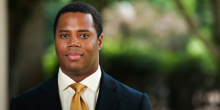 Photo of Professor Gregory Parks
